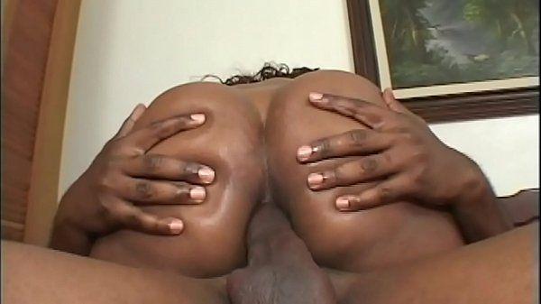Big Ass Brazil - Morena Rabuda metendo Muito