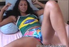 Monique morena rabuda levando gozada Brazilian facials
